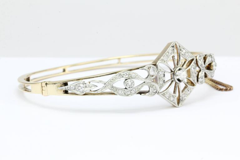 Art Deco Yellow Gold European Cut Diamond Bangle Bracelet, circa 1920 In Excellent Condition For Sale In Cape May, NJ