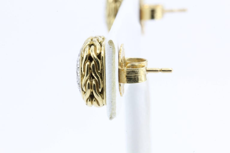 John Hardy Diamond Gold Classic Chain Square Stud Earrings In Excellent Condition For Sale In Cape May, NJ