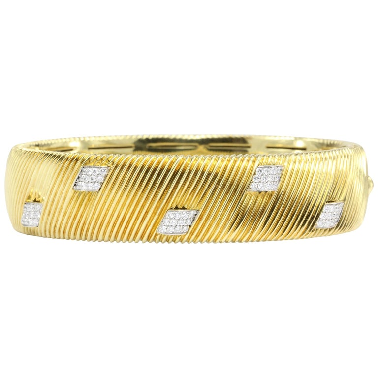 Roberto Coin Appassionata Collection Yellow Gold Diamond Bangle Bracelet