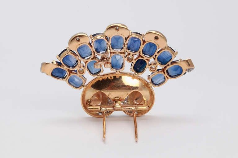 Women's 1940s Blue Sapphire Diamond Yellow Gold Platinum Brooch For Sale