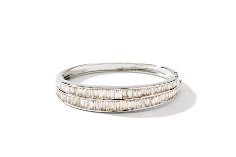 Diamond 18 Carat Gold Bangle Bracelet In Excellent Condition For Sale In Berlin, DE