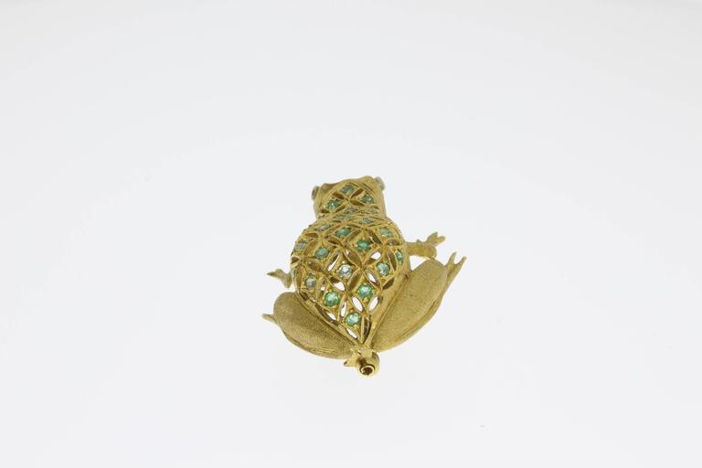Emerald Diamond Gold Frog Brooch In Excellent Condition For Sale In Berlin, DE