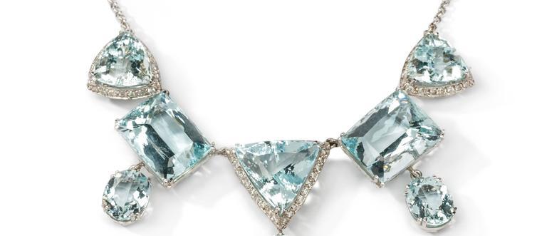 Elegant Aquamarine and Diamonds Necklace 3