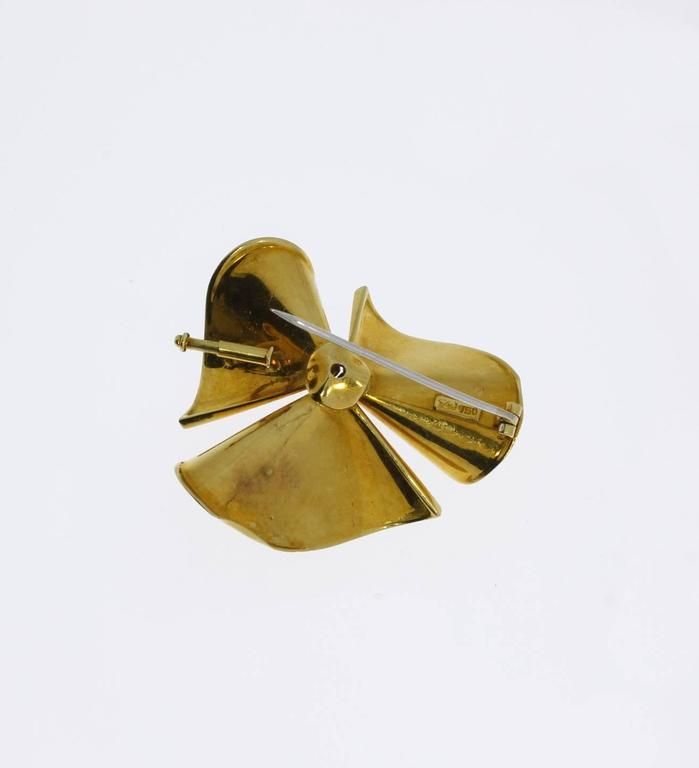 Women's 1950s Diamond Gold Floral Brooch For Sale
