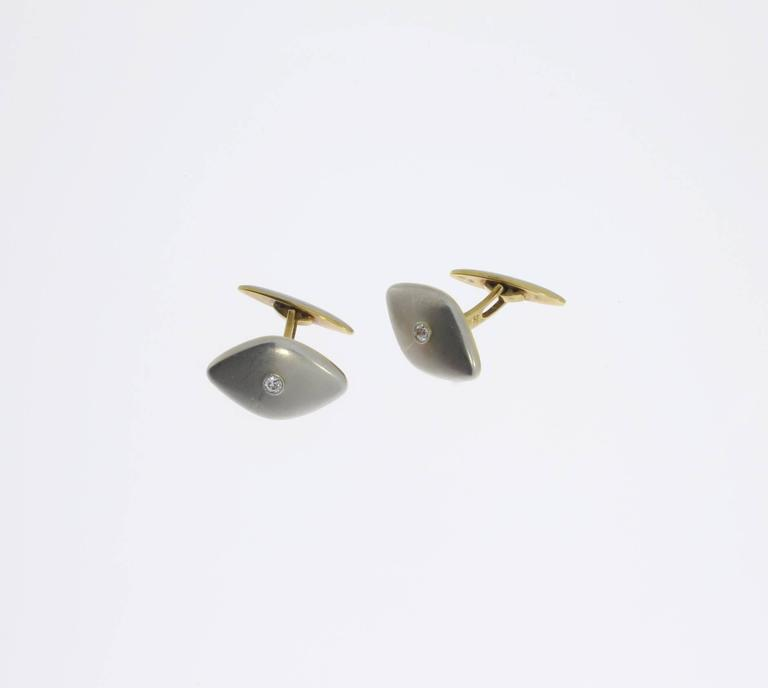 Pair of Platinum and Gold Cufflinks with Diamonds In Excellent Condition For Sale In Berlin, DE