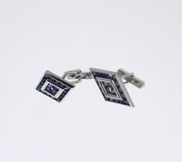 Lucien Piccard Gold Cufflinks In Excellent Condition For Sale In Berlin, DE