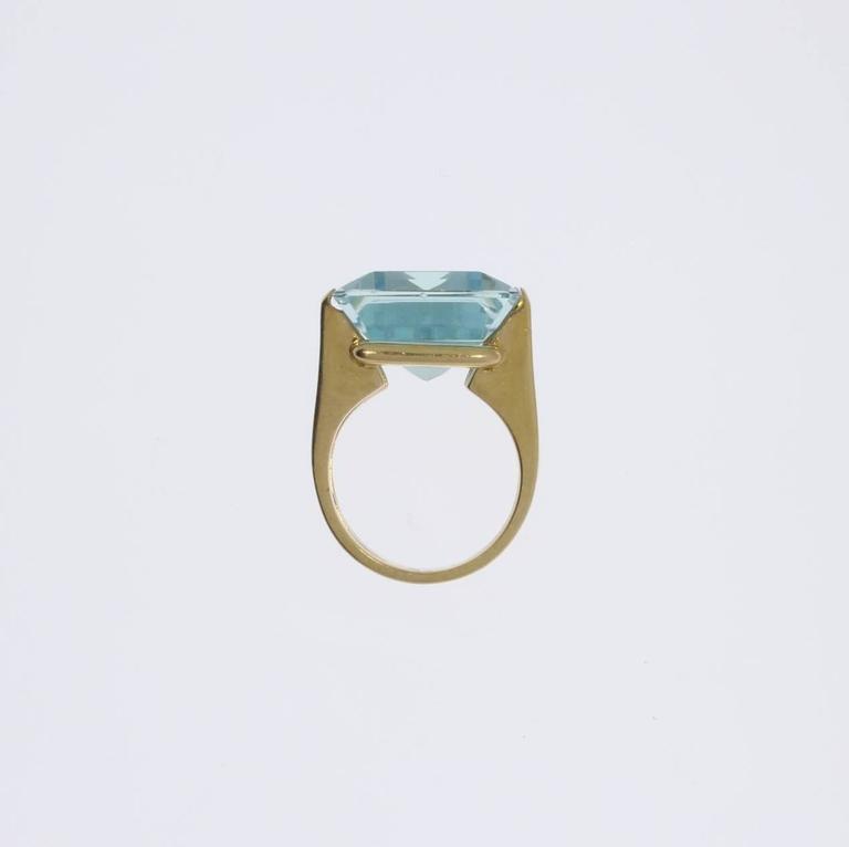 Large Aquamarine Gold Ring 6