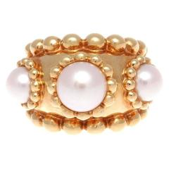 Chanel Stylish Pearl Gold Ring