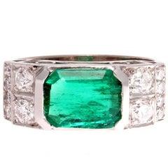 Art Deco 1.61 Carat Colombian Emerald Diamond Platinum Engagement Ring