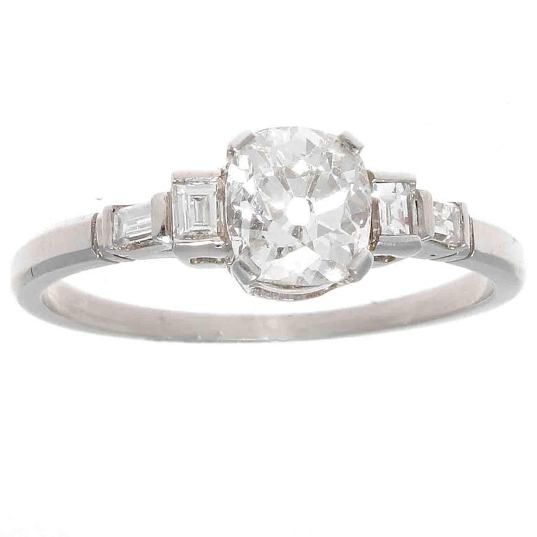 GIA 0.91 Carat Diamond Platinum Engagement Ring For Sale