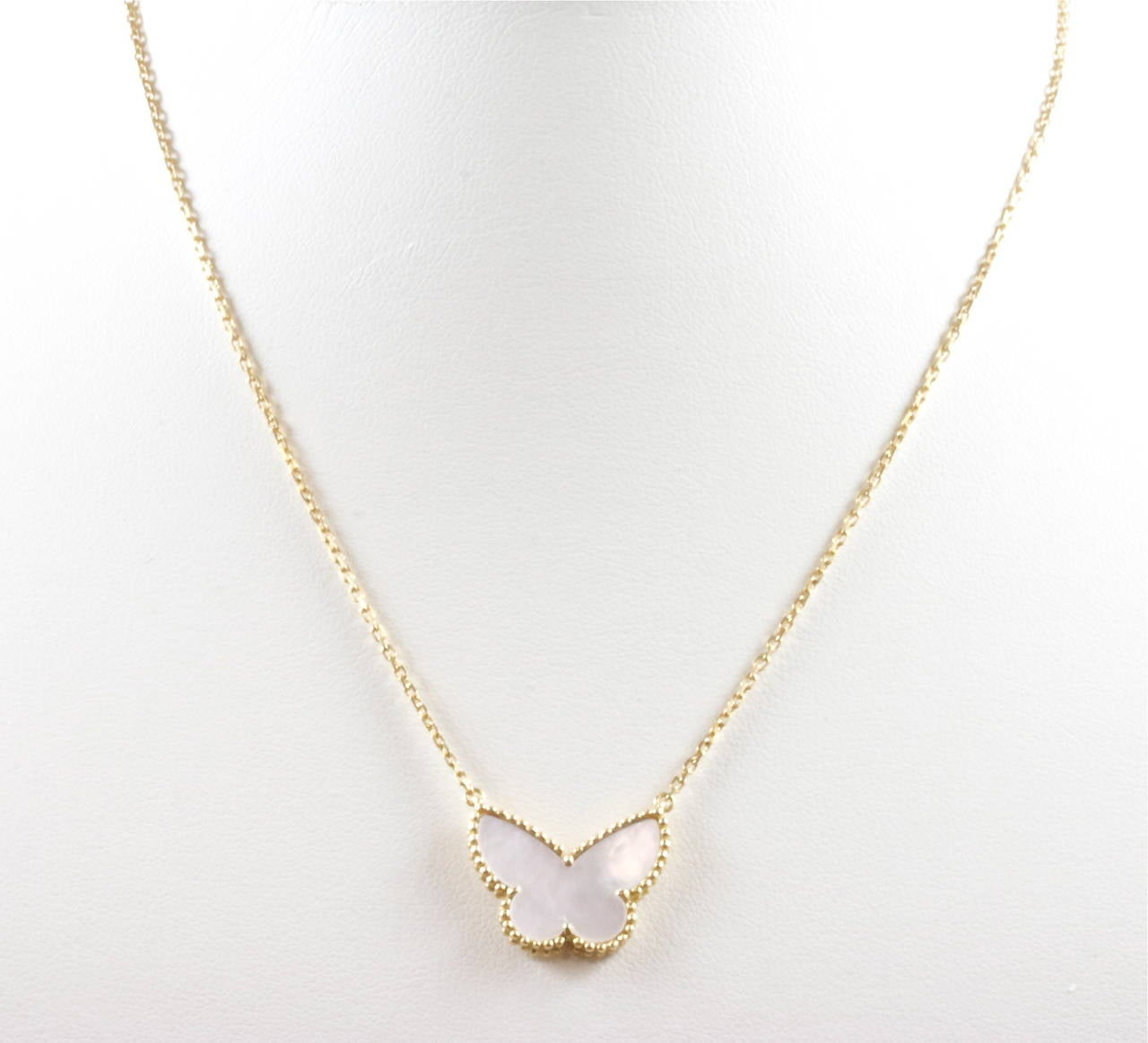 Van Cleef Lucky Alhambra Necklace: Van Cleef And Arpels Lucky Alhambra Mother-of-Pearl Gold