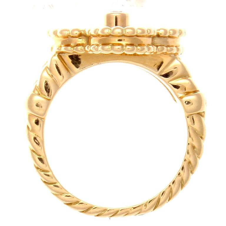 Van Cleef & Arpels Alhambra Onyx Diamond Gold Ring In Excellent Condition For Sale In Beverly Hills, CA