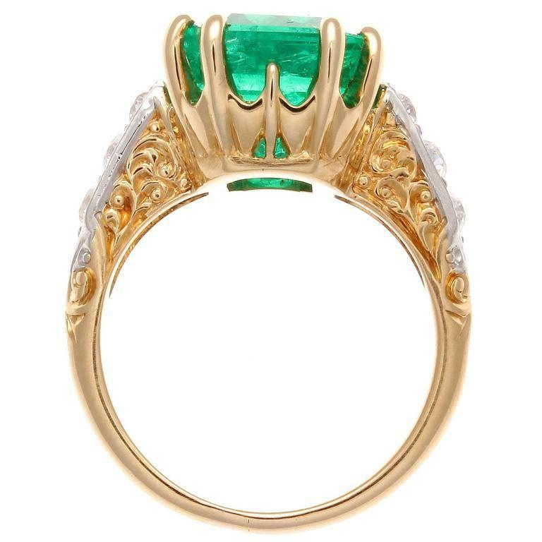 5 Carat Colombian Emerald Diamond Gold Ring In Excellent Condition In Beverly Hills, CA
