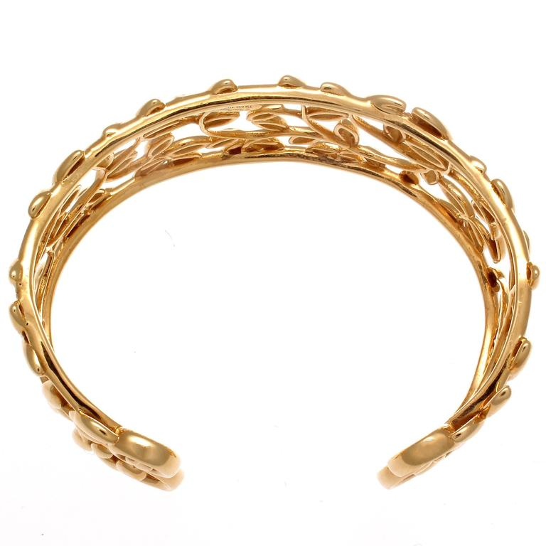bef90e685 Modern Tiffany & Co. Paloma Picasso Olive Leaf Gold Cuff For Sale