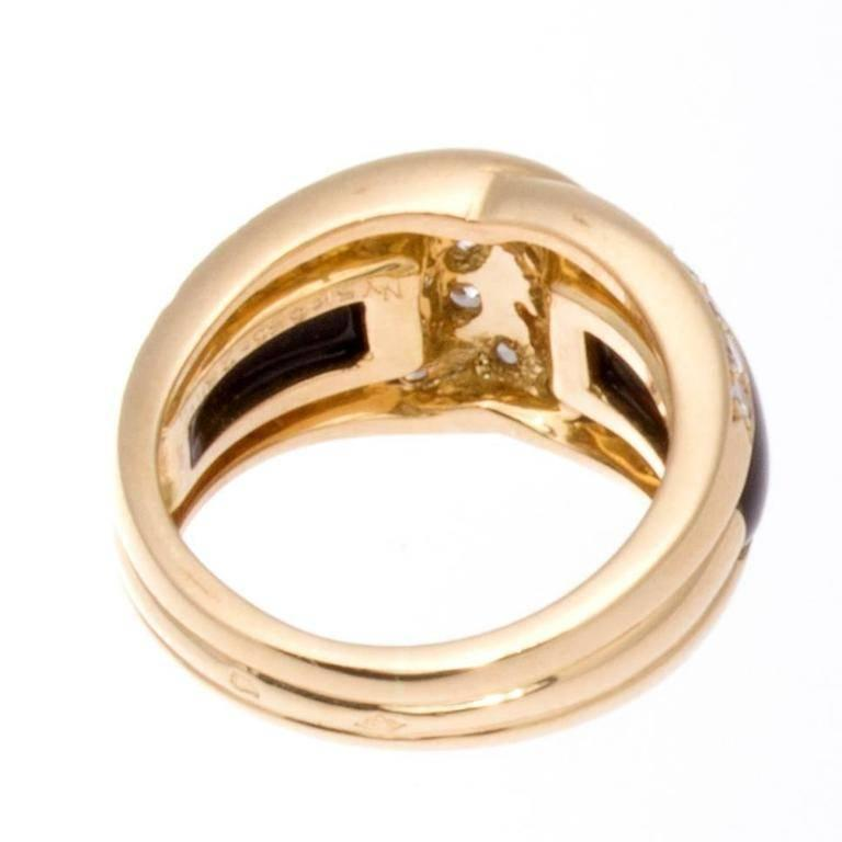 Modern Van Cleef & Arpels Onyx Diamond Gold Ring For Sale