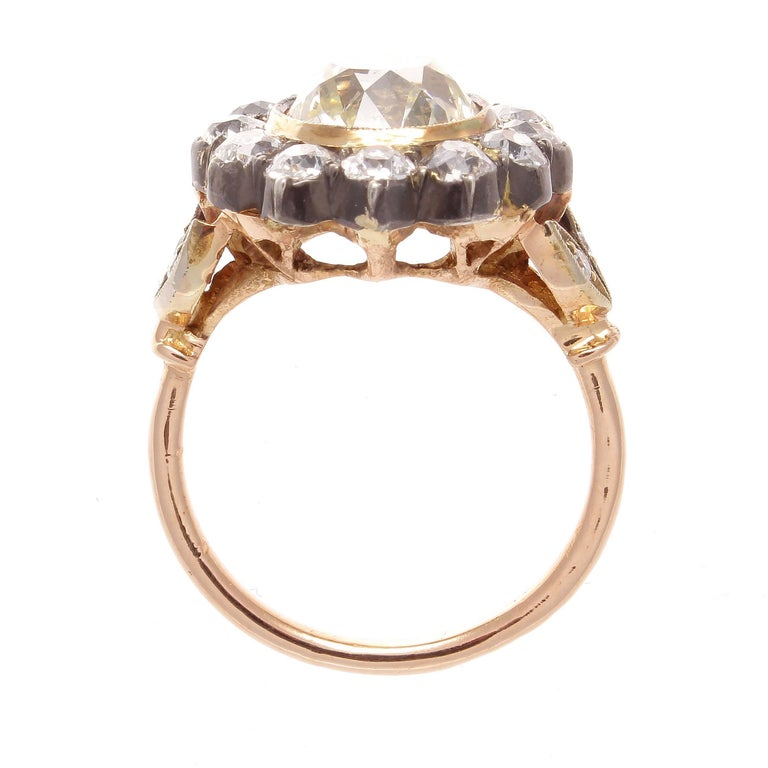 Victorian 2.77 Carat Old European Cut Diamond Gold Cluster Ring In Excellent Condition For Sale In Beverly Hills, CA