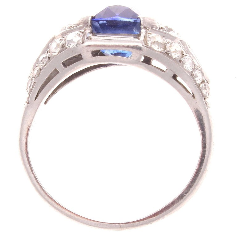 Art Deco Sapphire Diamond Platinum Engagement Ring In Excellent Condition For Sale In Beverly Hills, CA