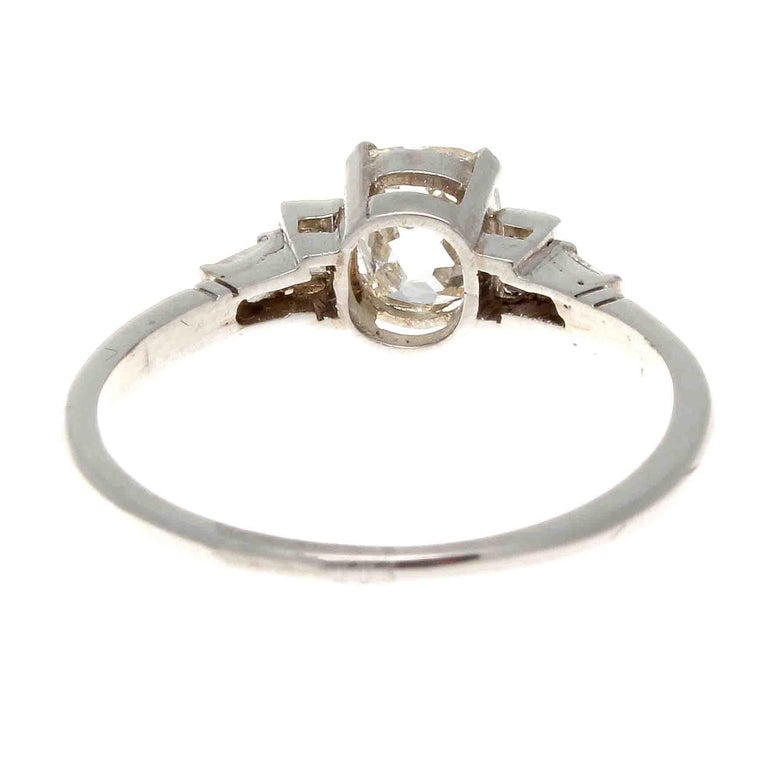 GIA 0.91 Carat Diamond Platinum Engagement Ring In New Condition For Sale In Beverly Hills, CA