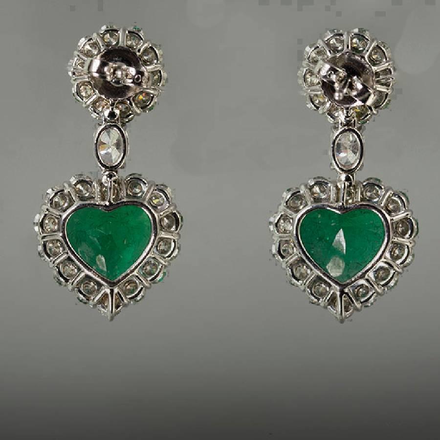 Emerald Diamond Gold Heart Shape Earrings For Sale at 1stdibs