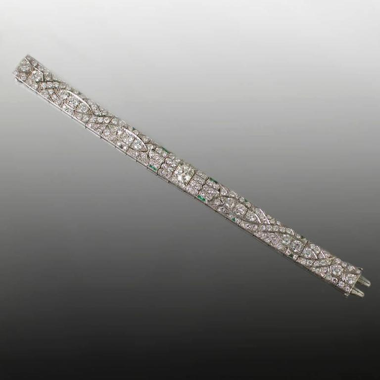 1930s Art Deco Diamond Platinum Bracelet  In Excellent Condition For Sale In Sarasota, FL
