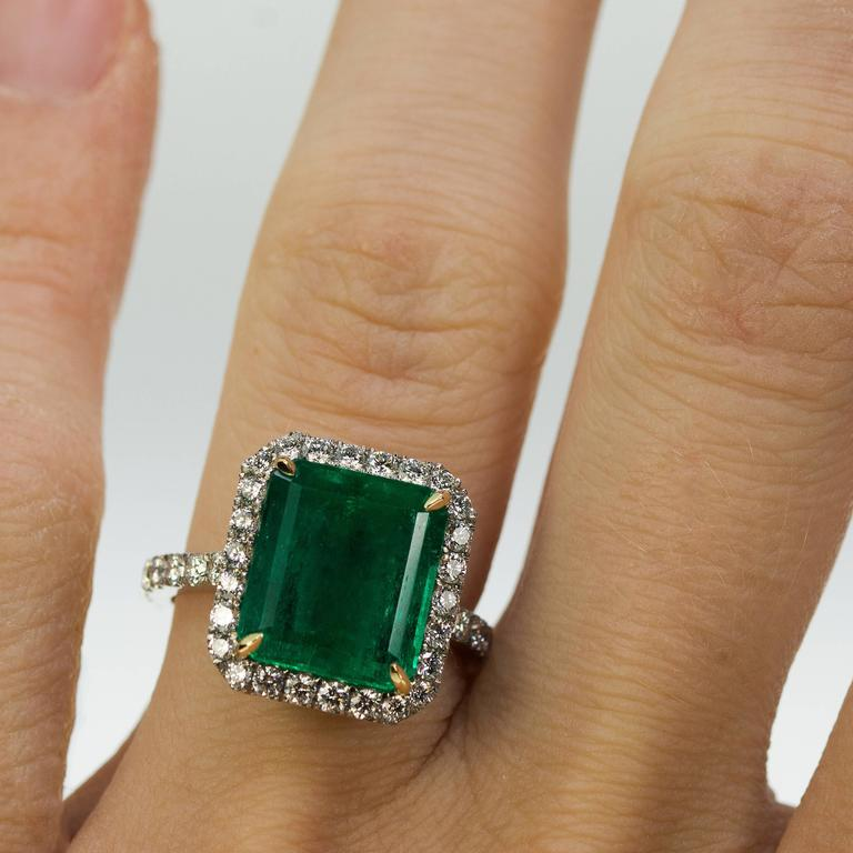 Women's or Men's AGL Certified Colombian Emerald Gold Ring For Sale