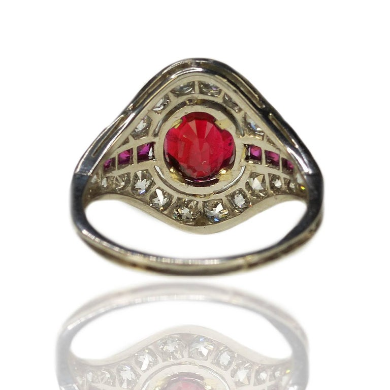 Art Deco Burma Ruby Platinum Ring In Excellent Condition For Sale In Sarasota, FL