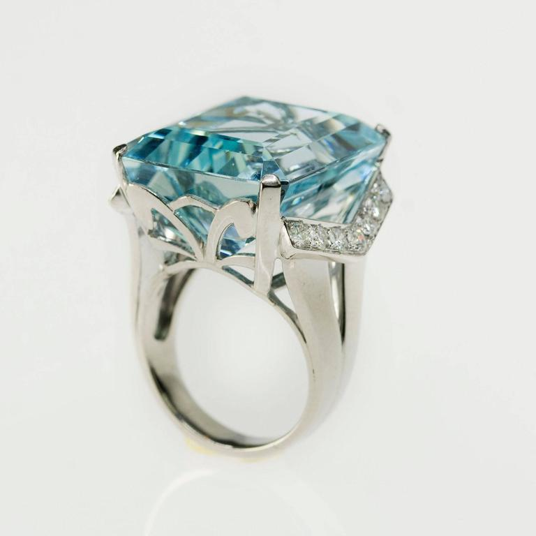 beautiful 35 24 carat aquamarine platinum ring at