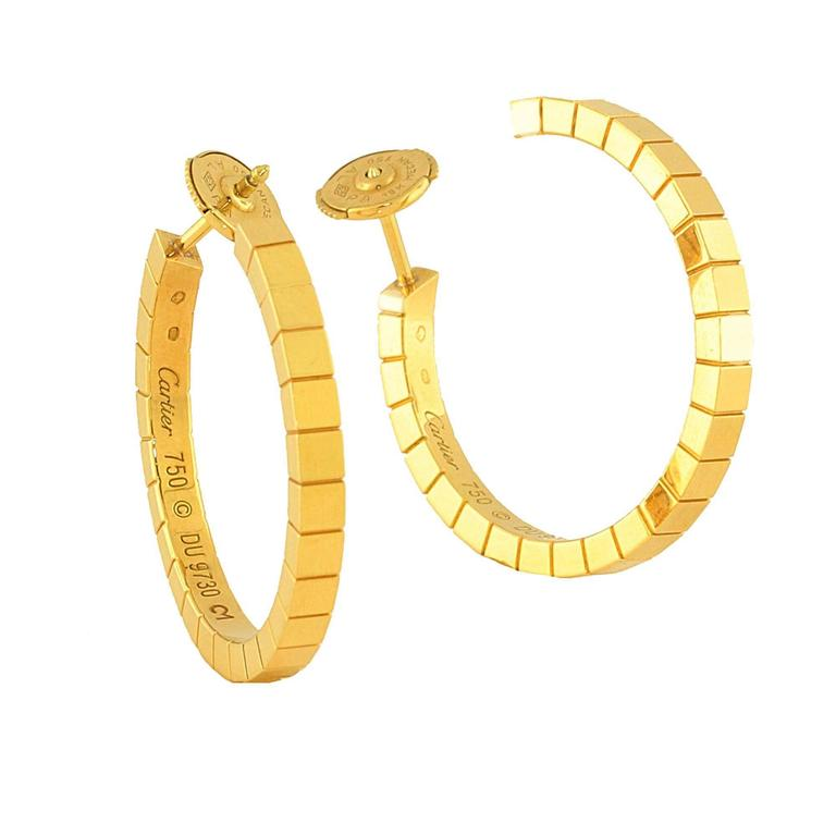 18kt yellow gold Lanieres Hoop Earrings. These earrings are in perfect condition and look as though they have never been worn. Wear them with a fancy dress or your normal day on the town. 