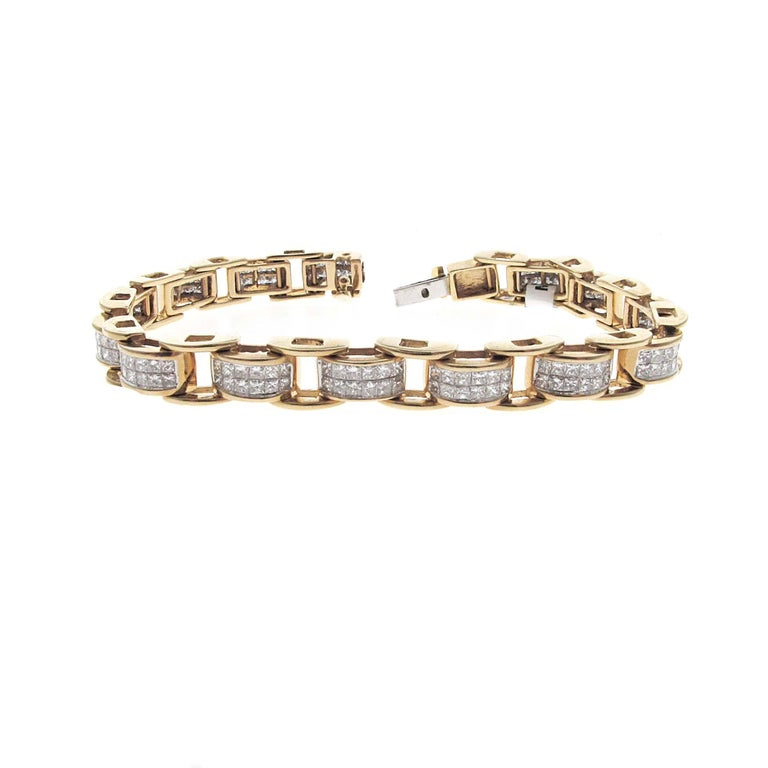 Yellow Gold Matching Princess Cut Diamond Bracelet and Earrings Set For Sale 1