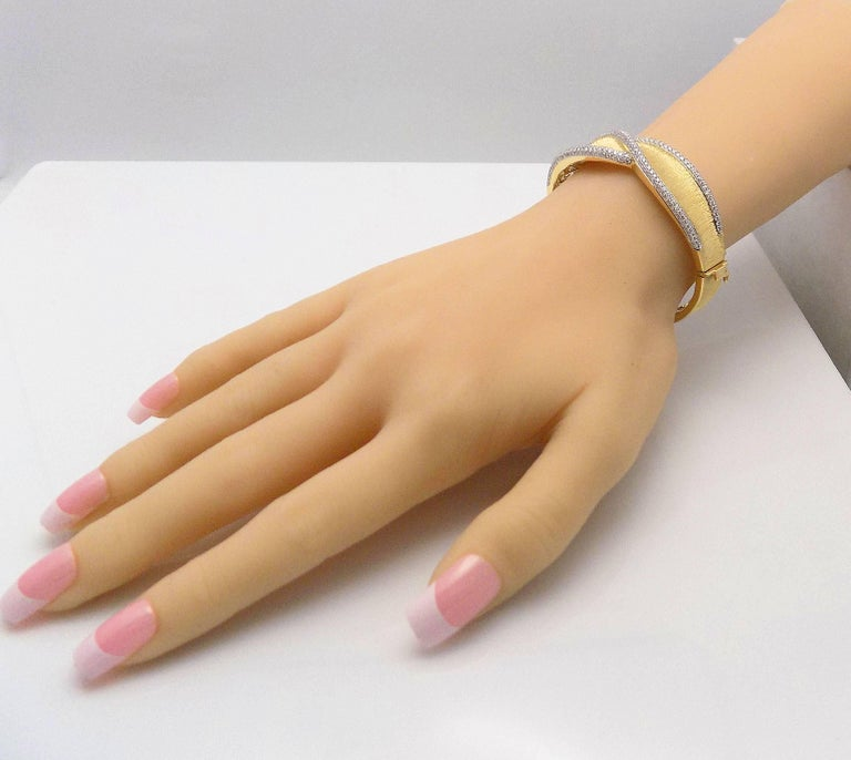 Diamond Hinged Bracelet For Sale 3