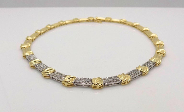 Gold and Diamond Pave' Necklace In As New Condition For Sale In Dallas, TX