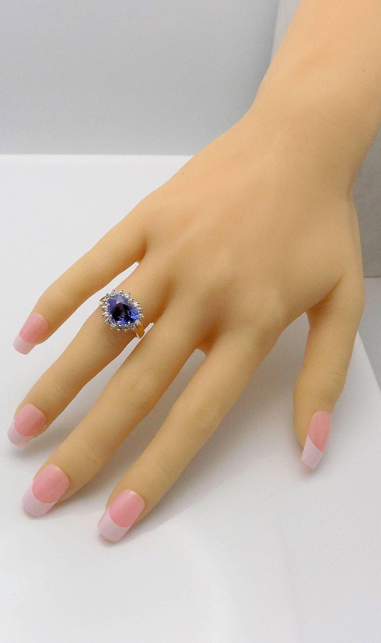 Heart Shape Sapphire and Diamond Ring For Sale 4