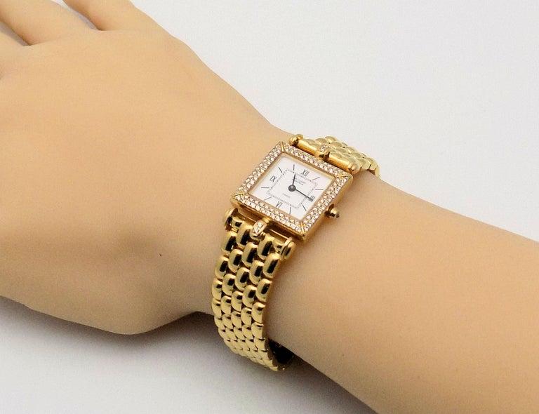 Round Cut Van Cleef & Arpels Ladies Yellow Gold Diamond Classique Wristwatch For Sale