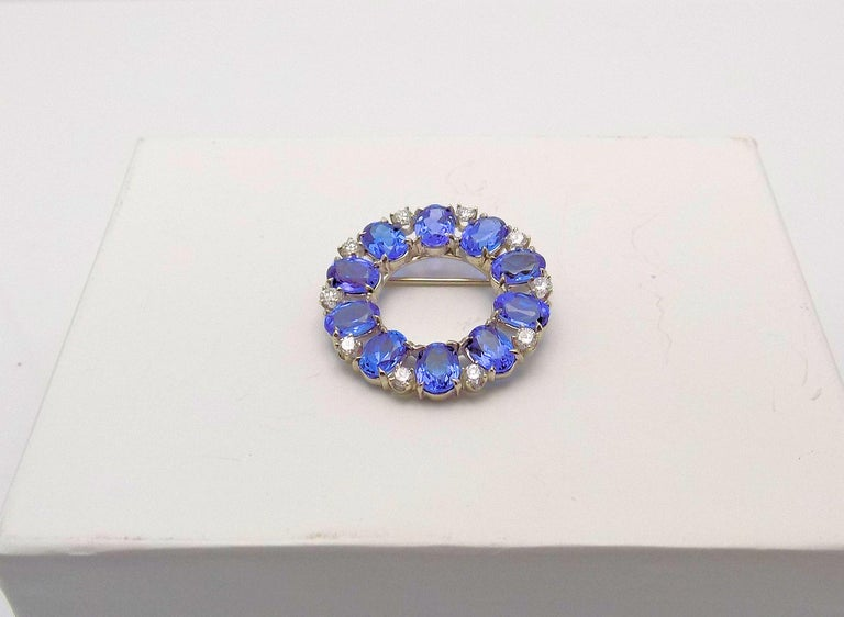 Tanzanite and Diamond Circle Brooch For Sale 1