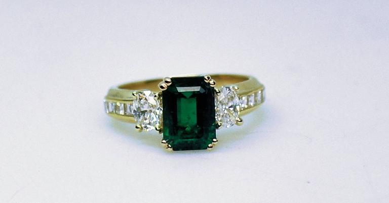 Fine Brazilian Emerald Diamond Ring with American Gem Lab Report 6