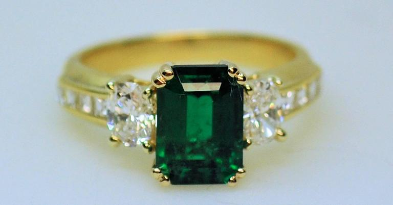 Fine Brazilian Emerald Diamond Ring with American Gem Lab Report 10
