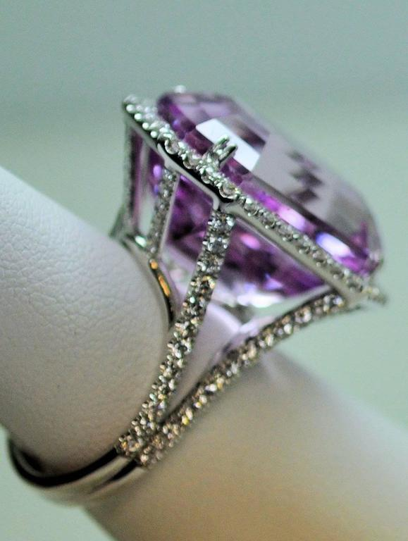 25.50 Carat Kunzite Diamond White Gold Ring 3