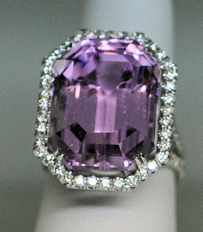 25.50 Carat Kunzite Diamond White Gold Ring 8