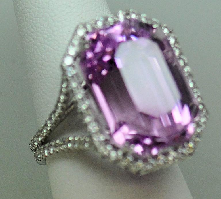 25.50 Carat Kunzite Diamond White Gold Ring 10