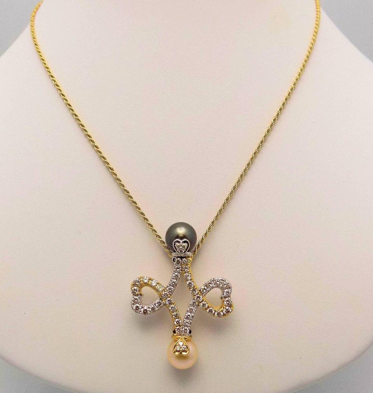 Pearl Diamond Double Heart Pendant Chain In As New Condition For Sale In Dallas, TX