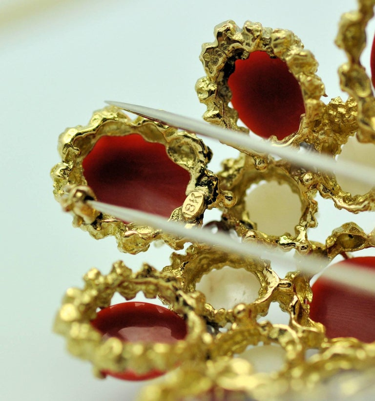 Modern 18 Karat Gold, Coral and Diamond Brooch-Pendant For Sale