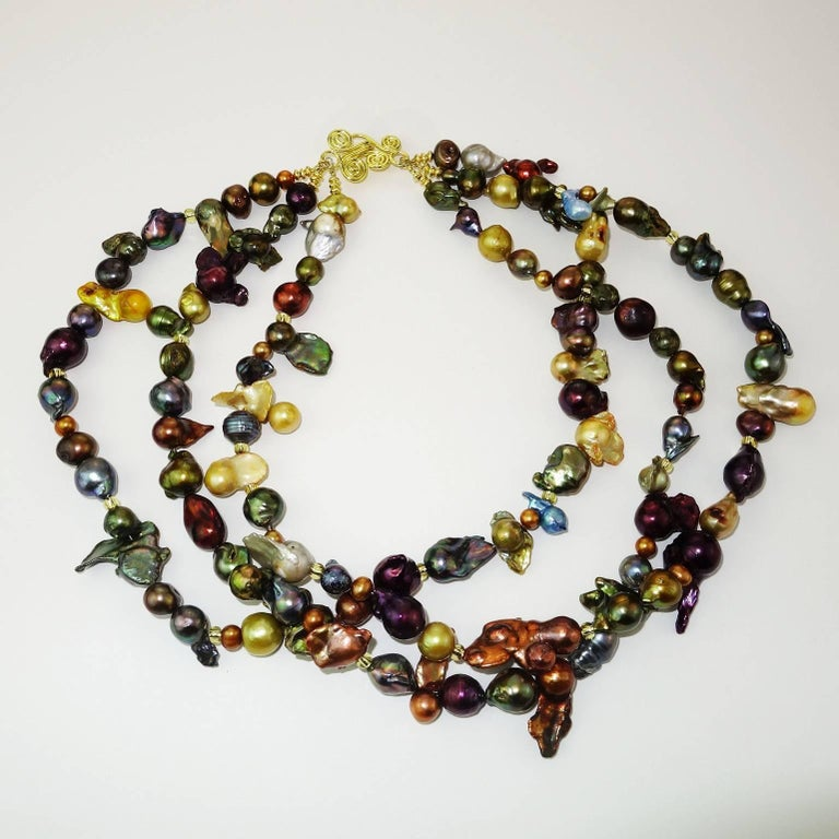 Triple Strand Multi-Color  Pearl Necklace In New Condition For Sale In Tuxedo Park , NY