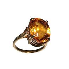 Sparkling Honey Golden Citrine in Yellow Gold Ring