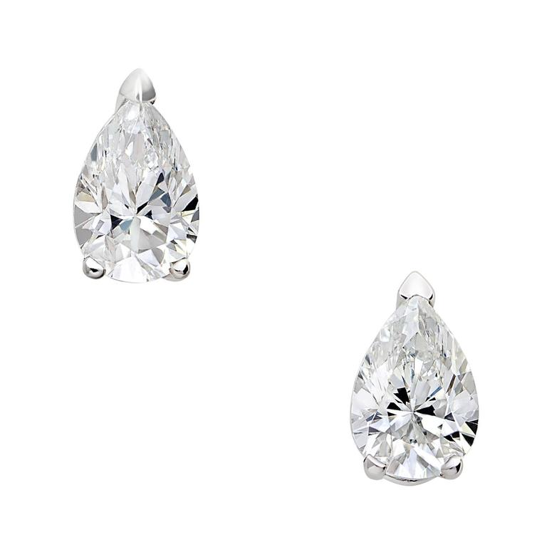 18 Karat White Gold Pear White Diamond Stud Earrings 2