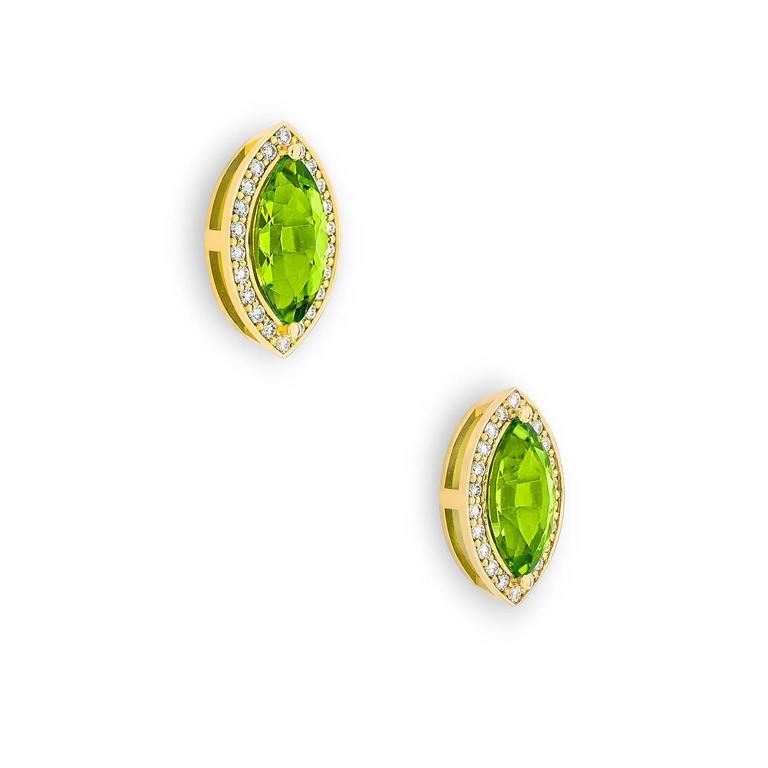 2.4 Carat Green Péridot 0.10 Carat Pavé-Set Diamonds 18 Karat Gold Earrings 2