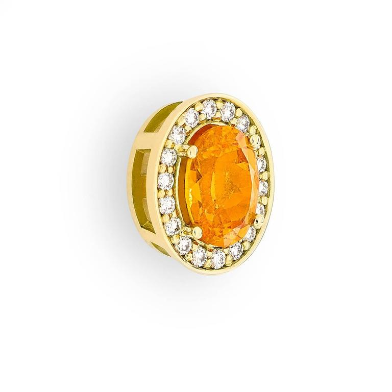 Yellow Gold Pave Set White Diamond Brilliant Orange Garnet Stud Earrings In As new Condition For Sale In Amsterdam, NL