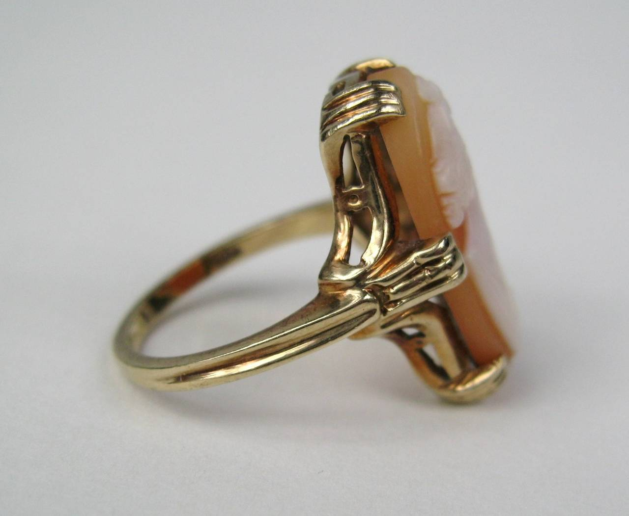 Lovely Lady Cameo Gold Oval Ring 3