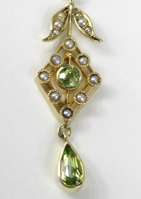 Art Nouveau Stunning Gold Peridot Seed Pearl lavalier Necklace  For Sale