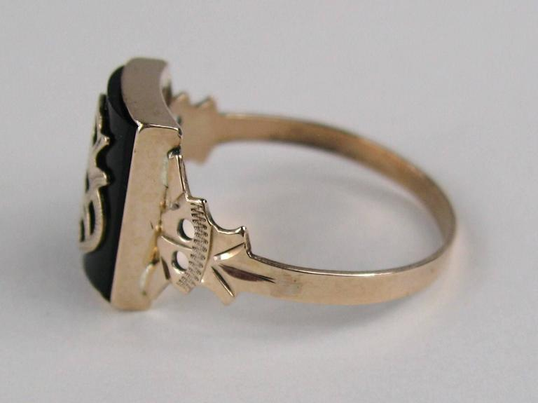 """Victorian Gothic """"S"""" Onyx Gold Initial Ring In Excellent Condition For Sale In Wallkill, NY"""
