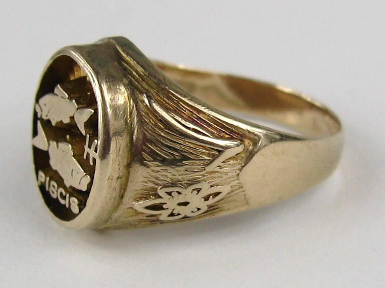 Spanish Pisces Astrology Gold Ring  4